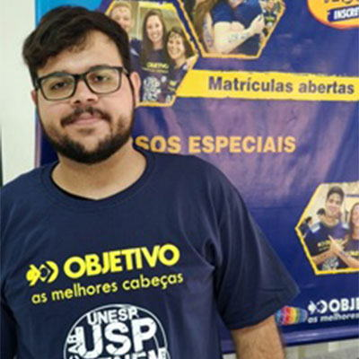 Aluno do Objetivo aprovado no Vestibular